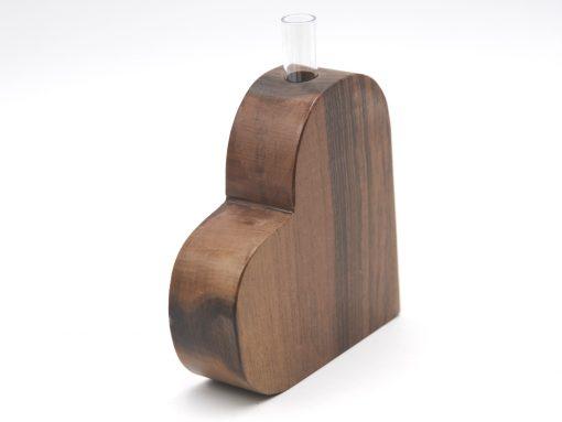 Holzherz mit Vaseneinsatz aus Nuss