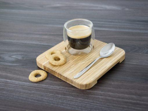 Kaffeeset aus Holz mit Besteck und Espressotasse