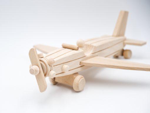 Propeller Flugzeug aus Holz - nachhaltiges Spielzeug aus Holz
