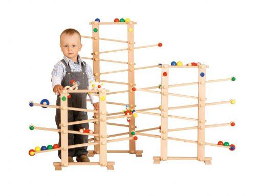 Kugelbahn aus Holz - nachhaltige Produkte für Kinder