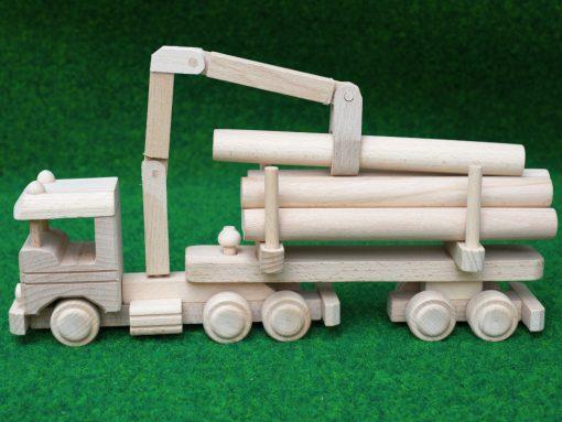 LKW mit Holzanhänger