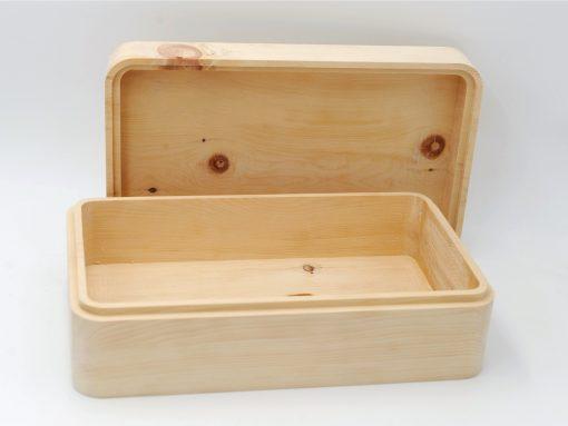 Design Zirbenbrotdose gefräst aus heimischem Zirbenholz